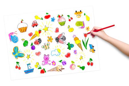 cartoon ice cream: la mano del ni�o con la imagen de dibujo a l�piz