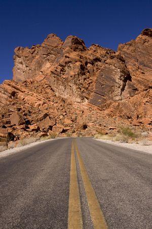route desert: Long tron�on de route d�sertique