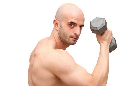 man working out: Hombre trabajando fuera de sus brazos con pesas  Foto de archivo