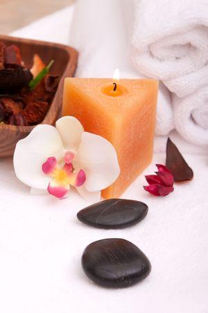 lastone therapy: Lastone therapy rocks with spa items