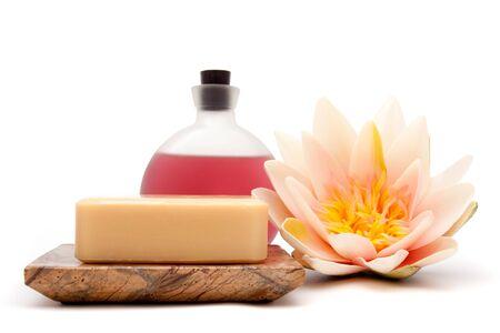 Oli essenziali, il sapone e waterlily per decor spa Archivio Fotografico - 7025137