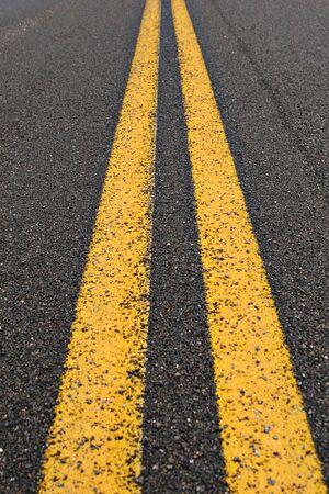 Sluit omhoog van een asfaltweg