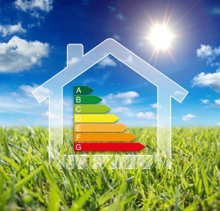 ahorro energia: energía en el hogar - el consumo de potencia Foto de archivo