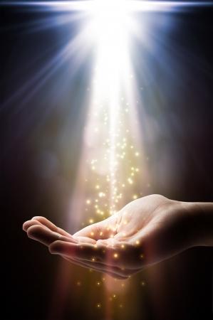 믿음은 당신의 손에 빠진다