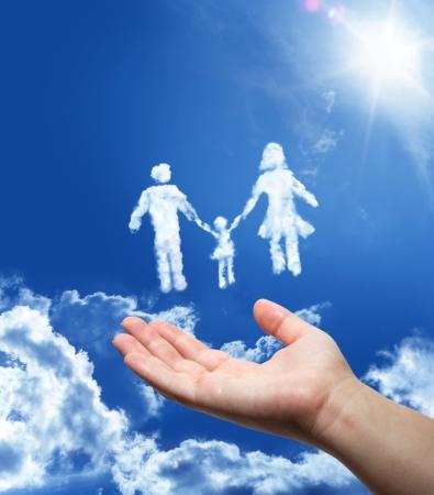 realiseren: Familie dromen - hand in de lucht Stockfoto