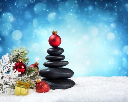 nieve navidad: piedras de spa - en navidad Foto de archivo