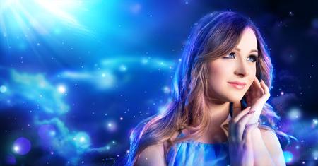 maquillaje de fantasia: mujer maquillaje de fantas�a en la noche hada en la luna