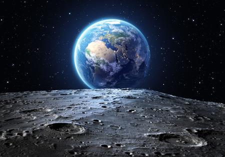 Blue Earth je patrné z měsíčního povrchu Reklamní fotografie