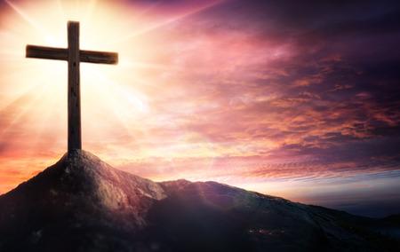 십자가의 신비 - 믿음의 상징 스톡 콘텐츠