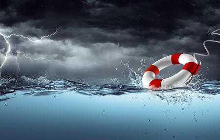 Sos - Ceinture de sauvetage dans la tempête - Concept d'aide