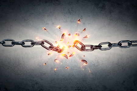 Broken Chain - Freedom And Separation Concept Stockfoto