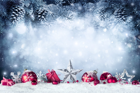 Christmas Card - Baubles And Fir Branch On Snow Stockfoto