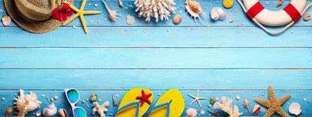 Beach Accessories On Blue Plank - Summer Holiday Banner Standard-Bild