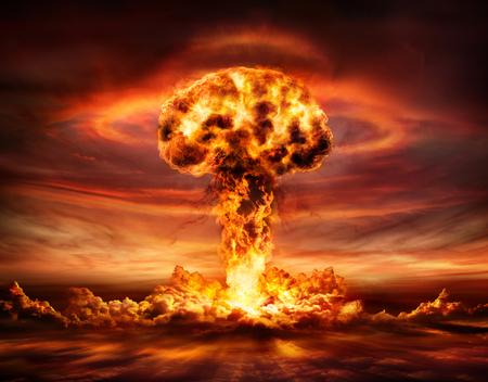 Explosión de bomba nuclear - Nube en forma de hongo Foto de archivo