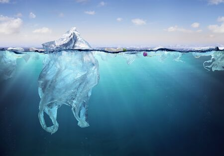 Abstract of plastic bag floating in the Sea Imagens