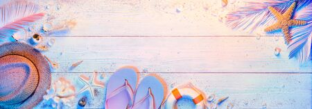 Summer Minimal Design With Beach Accessories - Teal And Orange Colors Gradient Imagens
