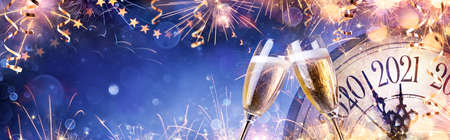 Abstract New Year Eve Background - Champagne And Clock With Fireworks Stok Fotoğraf
