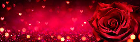 Valentines Card - Red Rose Heart Shaped On Shiny Glitter Background Stok Fotoğraf