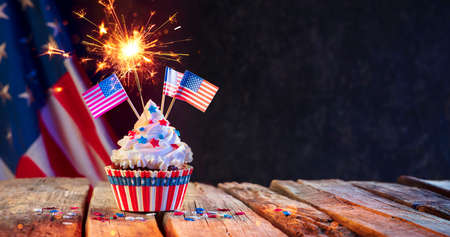 Cupcake Usa Celebration With American Flags And Sparkler 写真素材