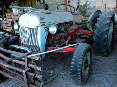 Old tractor resting peacefully Banco de Imagens