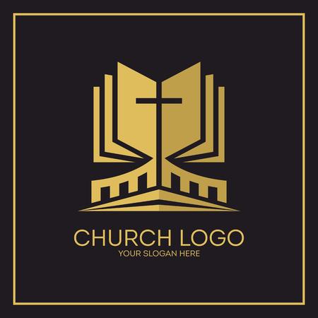 Kirche. Christliche Symbole. Heilige Bibel und Jesus Kreuz.