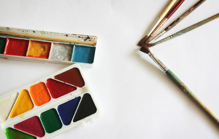 paints: Color paints and brushes