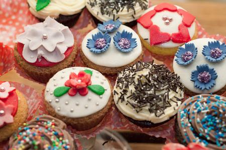 muffins: Colorful wedding muffins