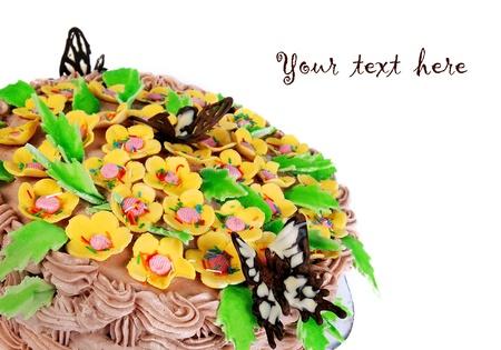 decoracion de pasteles: Pastel de grandes vacaciones decorar con crema, flores y chocolate mariposas