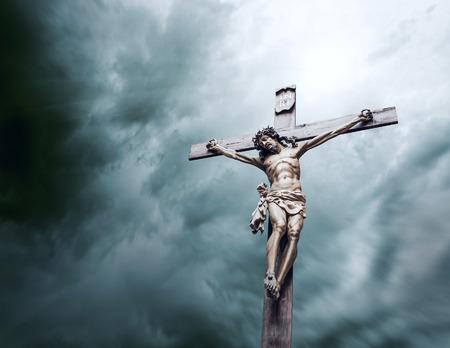 religion catolica: crucifixi�n de Cristo Foto de archivo