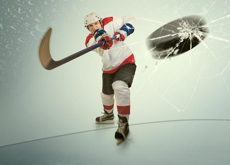 visor: Ice hockey puck hit the opponent visor