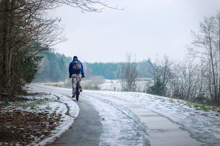 extreme weather: Winter cyclist
