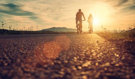 サンセット ロードにある、自転車 写真素材