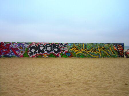 graffitis beach