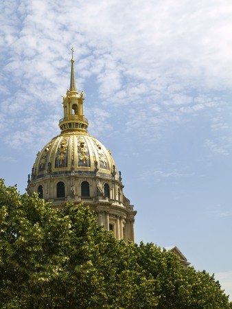 invalides: The beautiful dome of Invalides Hotel in Paris