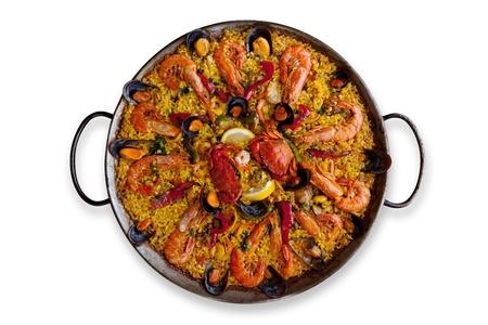 Isolé traditionnelle Paella espagnole Banque d'images
