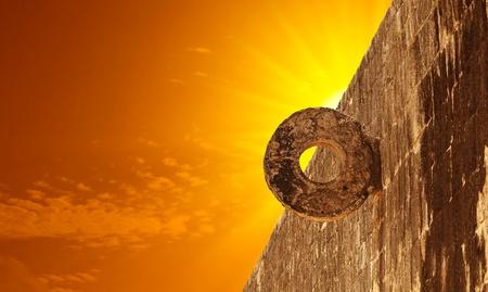 sacrificio: Piedra maya aro en Chichen Itza