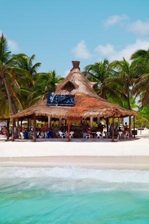 mayan riviera: El Paraiso Beach Bar in Playa Paraiso, Mayan Riviera, Mexico Editorial