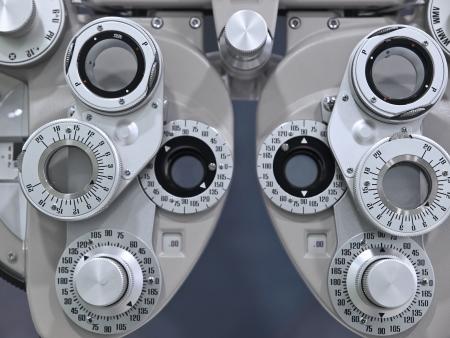 diopter: Optometrista dioptr�as en un laboratorio