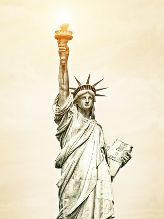 liberty statue: Vintage Image of Liberty Statue in New York, USA