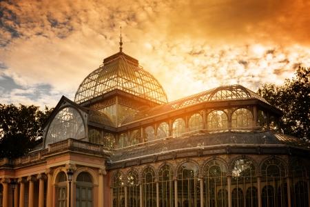 レティーロ公園、マドリード、スペインの水晶宮殿 写真素材