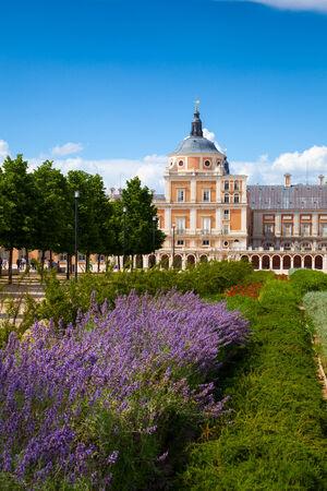 palacio: Royal Palace of Aranjuez and Gardens in Madrid, Spain