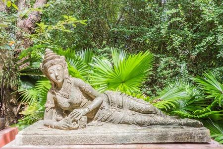 Reclining angel for decoration in botanic garden