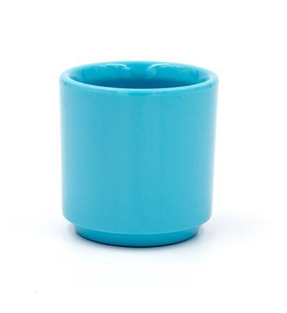 filiżanka kawy: Small teacup blue on white.