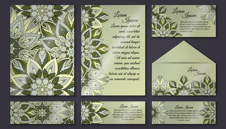 Colección de tarjetas de invitación, patrón floral delicado. Elementos decorativos vintage. Fondo dibujado a mano. Islam, árabe, indio, motivos de otomano Foto de archivo