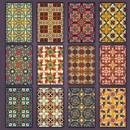 Colección de camisas de tarjetas retro con orígenes étnicos. Tarjeta de invitación con elementos de diseño vintage. Ilustración de vector