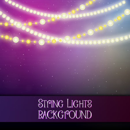 Dark background with decorative string lights. Bright shining light bulbs garlands 版權商用圖片 - 114806854