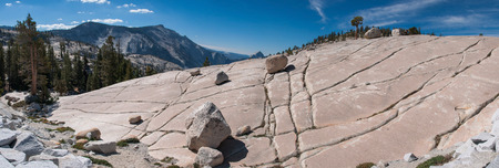 erratic: Panoramic view from Olmsted Point at the stone hill with glacial erratic boulders in Yosemite National Park Stock Photo