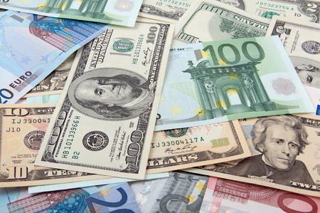 finanzen: Money - dollars and euros