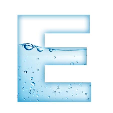 letter liquid water: Letra del alfabeto a partir de agua y la letra E de burbujas