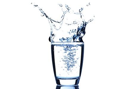 purified water: Salpicaduras de agua de vidrio